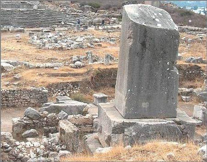 Обелиск в Ксантосе
