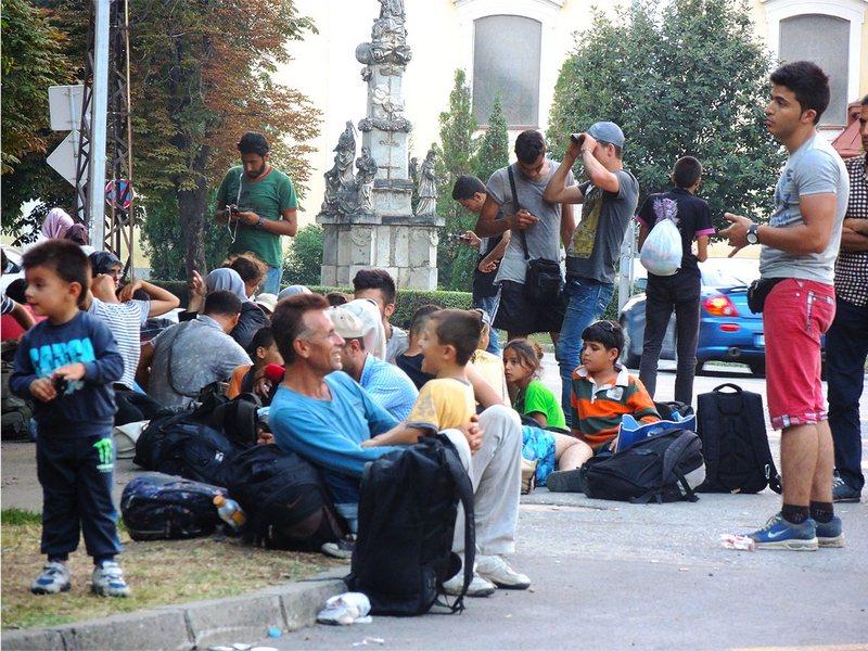 Лагерь иммигрантов на центральной площади в Каниже