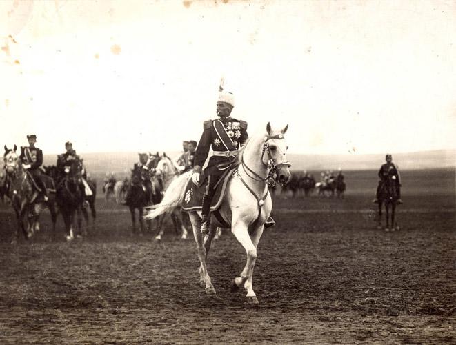 Военный парад на поле Баньица