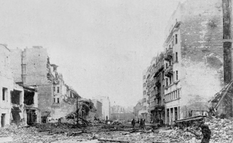 Белград после истребительных налётов англо-американской авиации. Пасха 1944 года