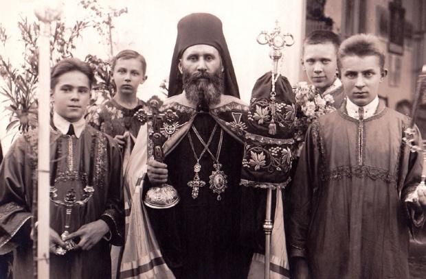 Епископ Бачский Ириней (Чирич) напрасно умолял начальника королевского Генштаба Венгрии Ференца Сомбатхейи-Кнауса и Миклоша Хорти пощадеть ни в чем не повинный народ