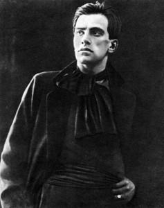 Владимир Маяковский в 1922 году