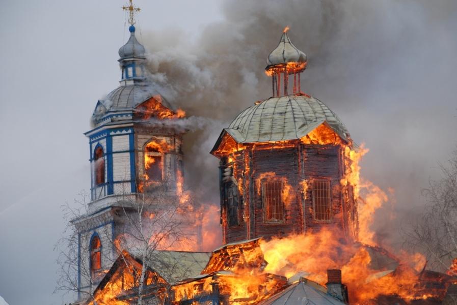 Как в 17 веке от Иосафа Кунцевича горели православные храмы, так и на Донбассе от современных капиланов УГКЦ и РКЦ горят храмы под руководством униатского «духа святого»