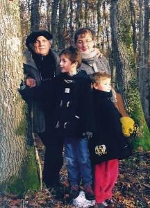 С супругой и детьми
