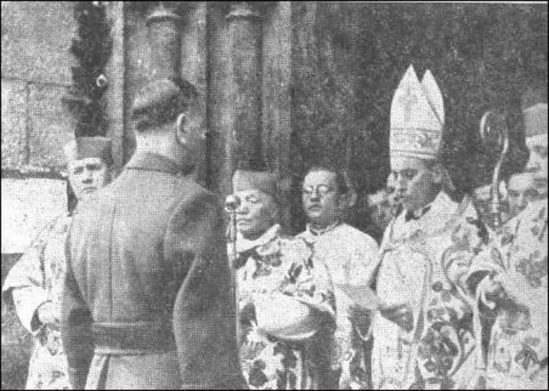 Поглавник Анте Павлич перед архиепископом Алоизием Степинацем