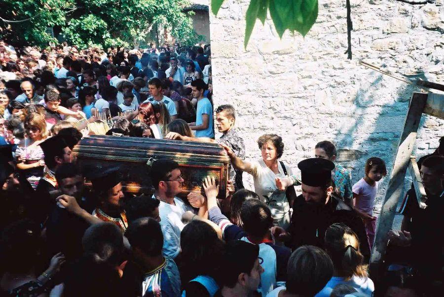 Крестный ход с мощами святого Йована Владимира в Албании
