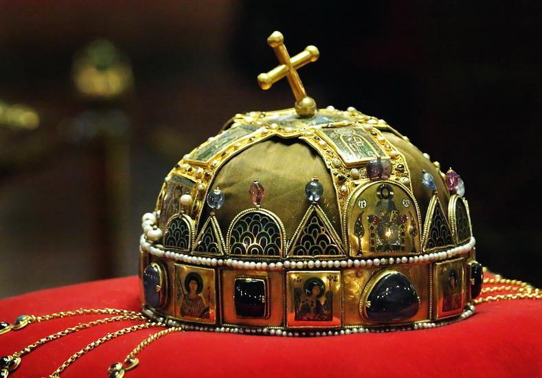 Корона Святого Стефана - символ венгерской государственности