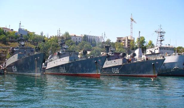 Черноморского флота в Севастопольской бухте