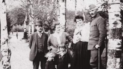 Mihailo_Milovanovic_sa_suprugom_(posle_rata)