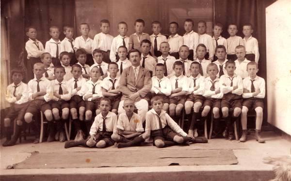 Ученици са разредним старешином Евгенијем Лаптевим