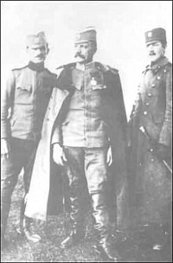 Војвода Живојин Мишић са синовима Радованом и Александром, 1917